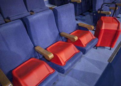 Alzadores infantiles para butacas de teatro